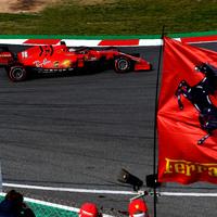 F1: Furcsa közleményt adott ki a Ferrari motorjairól az FIA