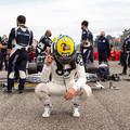 F1: Senna alapítványának adományozza imolai sisakját Gasly