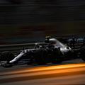 F1: Bottas vitte a pénteki napot Abu-Dzabiban, falat fogtak a Ferrarik
