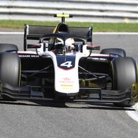 F2: De Vries a pole-ban, Schumacher hatodik Belgiumban