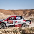 Alonso felborult a Dakaron