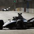 De Vries lemosta a Formula–E mezőnyét, első pole-ját szerezte