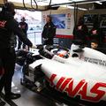 F1: Újabb csapattagok dőltek ki a paddockban koronavírus gyanújával