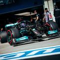 F1: Hamiltoné a második edzés, erősnek tűnik a Ferrari