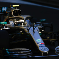 F1 - MERCEDES-FÖLÉNY A MÁSODIK EDZÉSEN, BOTTAS TOVÁBBRA IS VEZET
