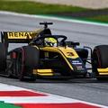 F2: Kínai Renault-junioré a pole, Schumacher az élbolyban