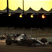 F1: Rajt-cél győzelemmel nyerte Hamilton az abu-dzabi szezonzárót
