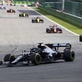 F1: Bizarr baleset, fölényes Hamilton-siker Belgiumban