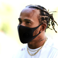 F1: Hamilton miatt szigorít az FIA