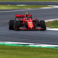 F1: Minimális előnnyel a Ferrarik az élen az angliai időmérő előtt