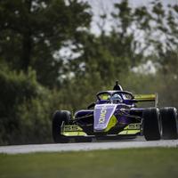 W Series: Chadwick a pole-ban a szezonzárón