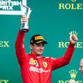 Sajtóhír: Évekre magához láncolta Leclerc-t a Ferrari