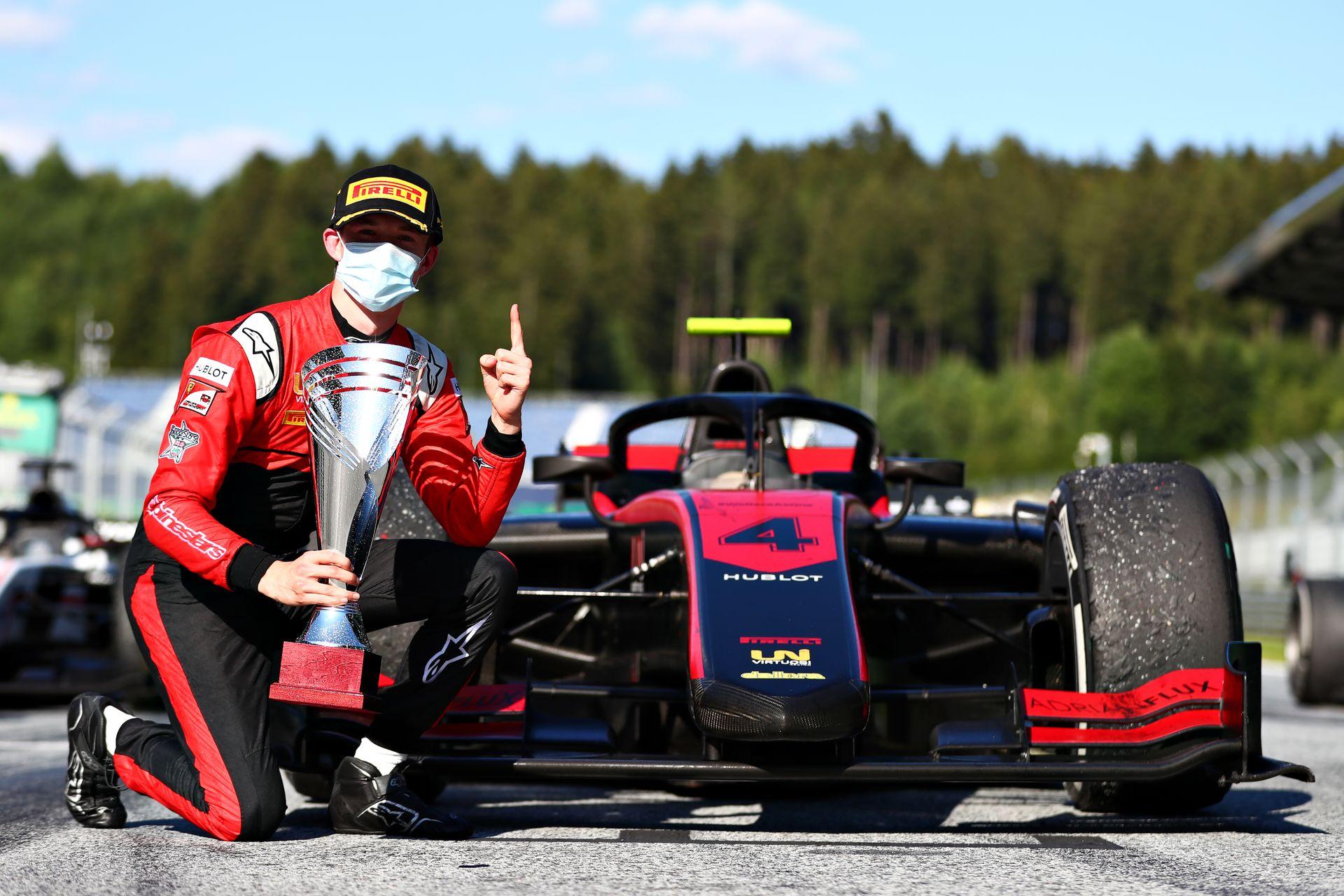 Dráma Zhou-nál és Schumachernél, Ilott először nyert az F2-ben