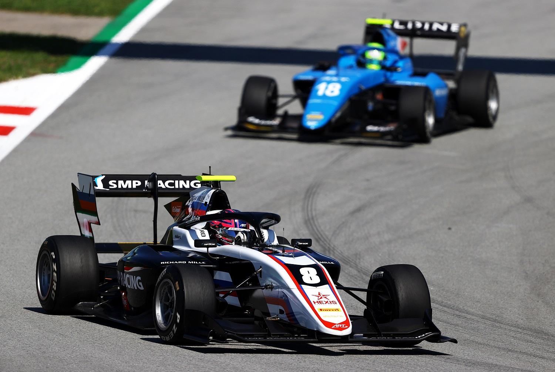 Biztonsági autó után orosz győzelem az F3-as szezonnyitón