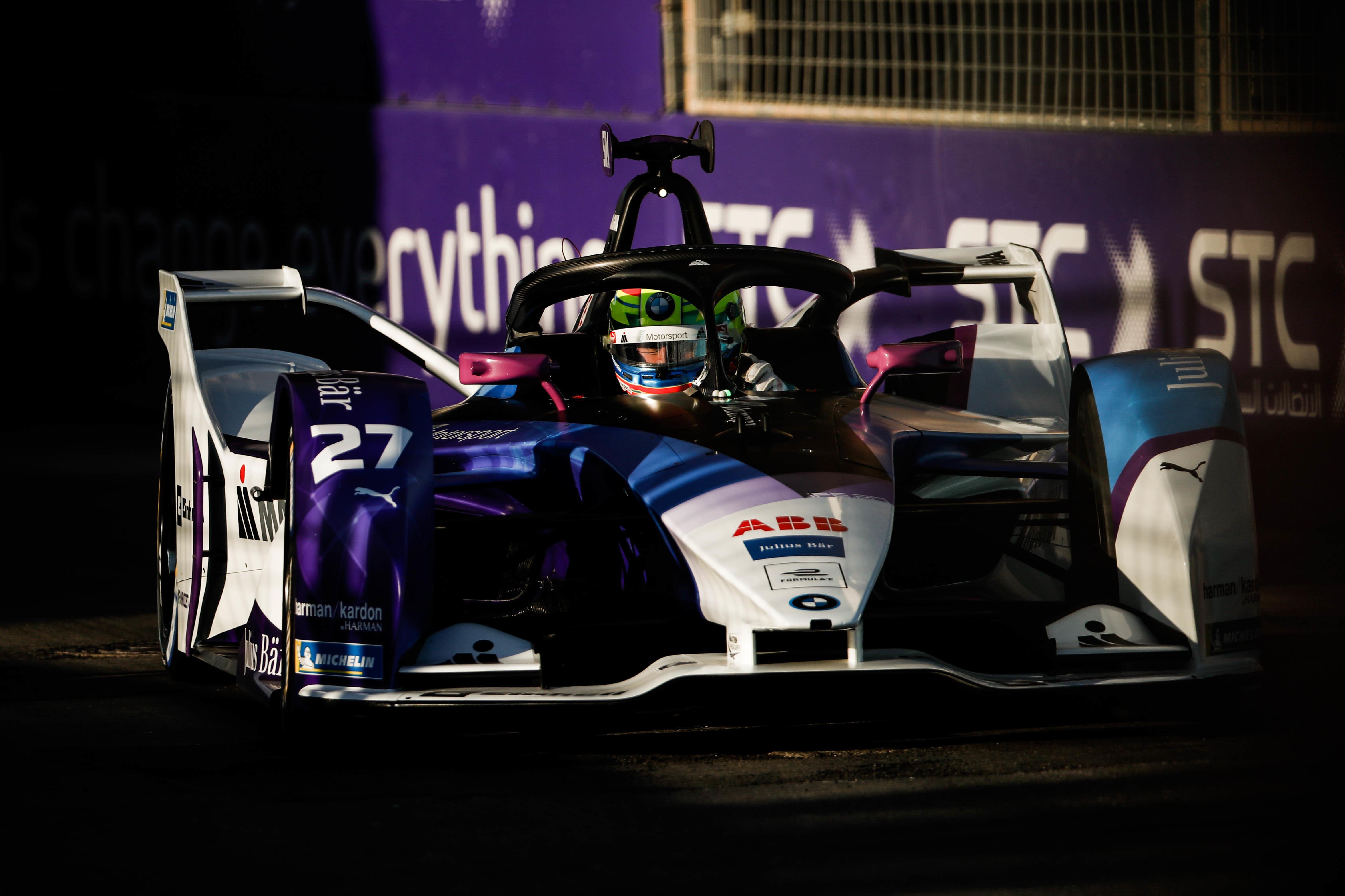 Formula-E: Simsé a pole a Mercedes-konvoj előtt