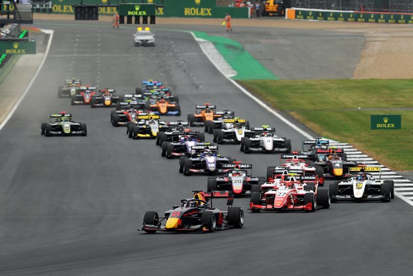 F3: Vips duplázott, változás a bajnokság élén Silverstone-ban
