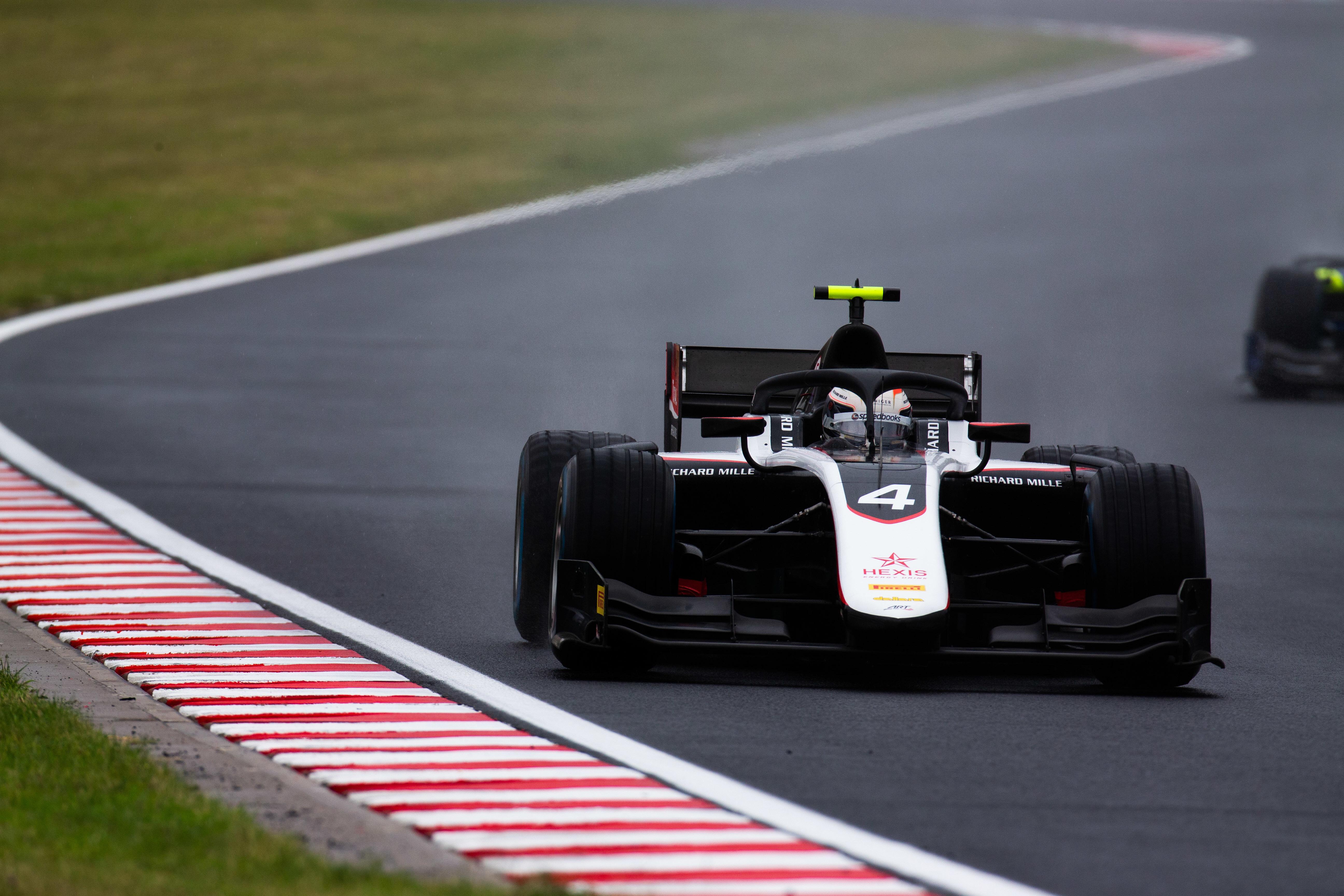 F2: Őrült végjáték után De Vries-pole a Hungaroringen