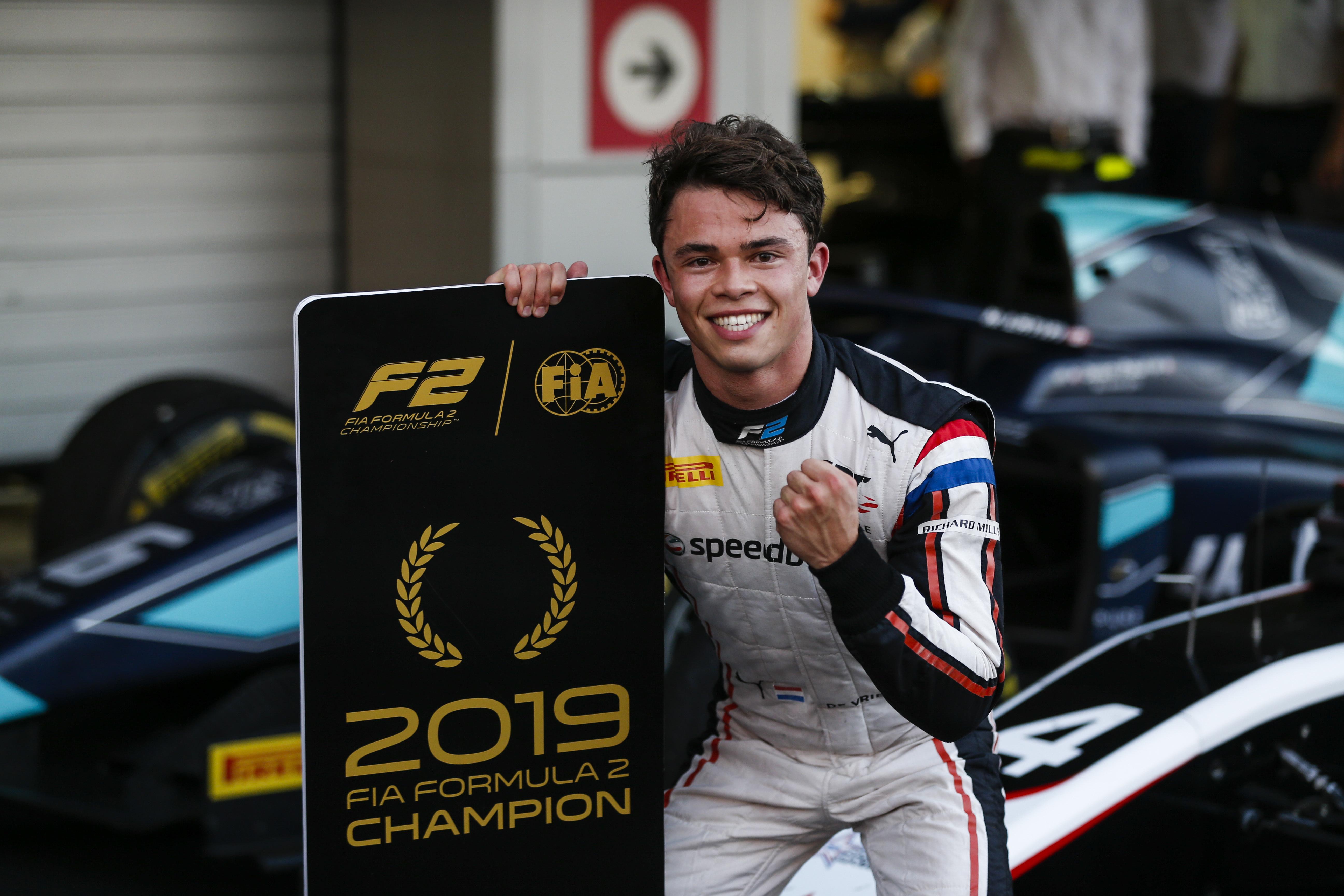 F2: Tükörsima győzelemmel lett 2019 bajnoka Nyck de Vries