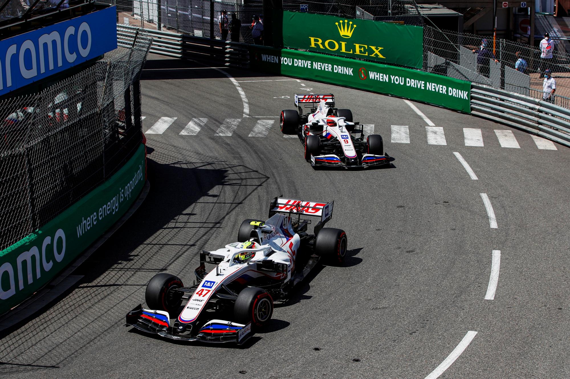 F1: Egy csata és egy csapatutasítás is kimaradt a monacói közvetítésből, egy furcsa baleset azonban nem