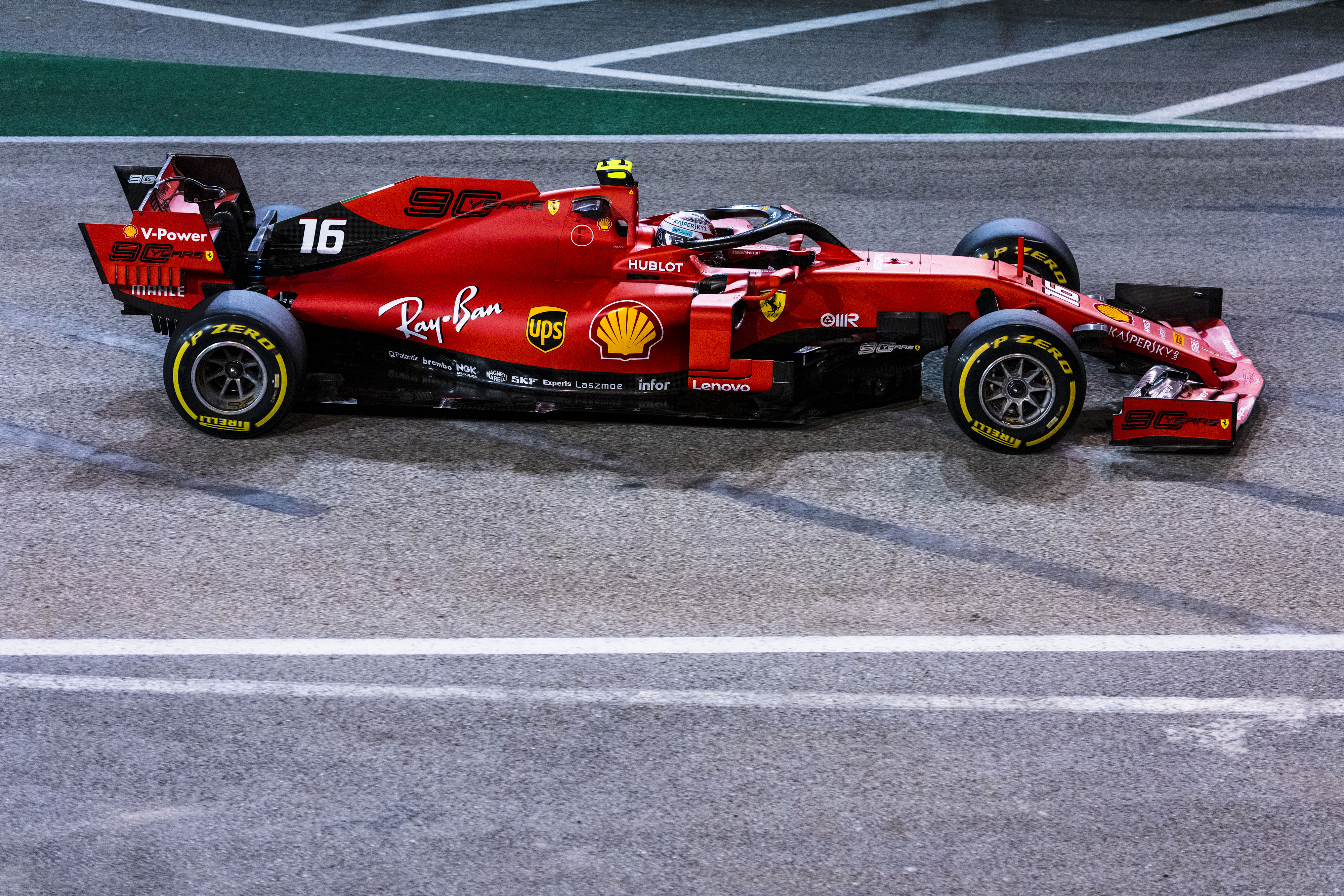 F1: Leclerc ismét varázsolt, Szingapúrban is pole-ba repítette a Ferrarit!