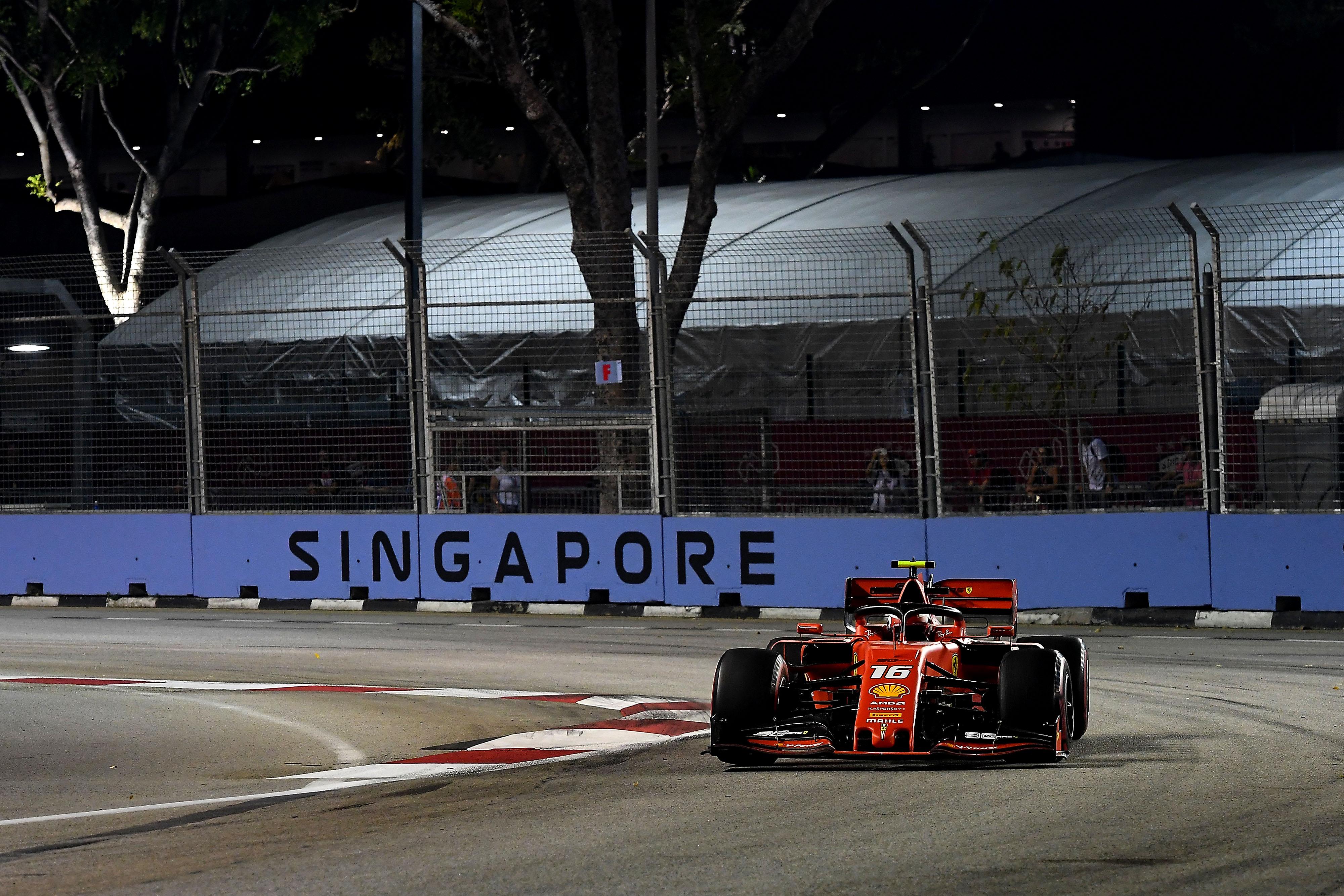 F1: Váratlan Leclerc-elsőség az időmérő előtt