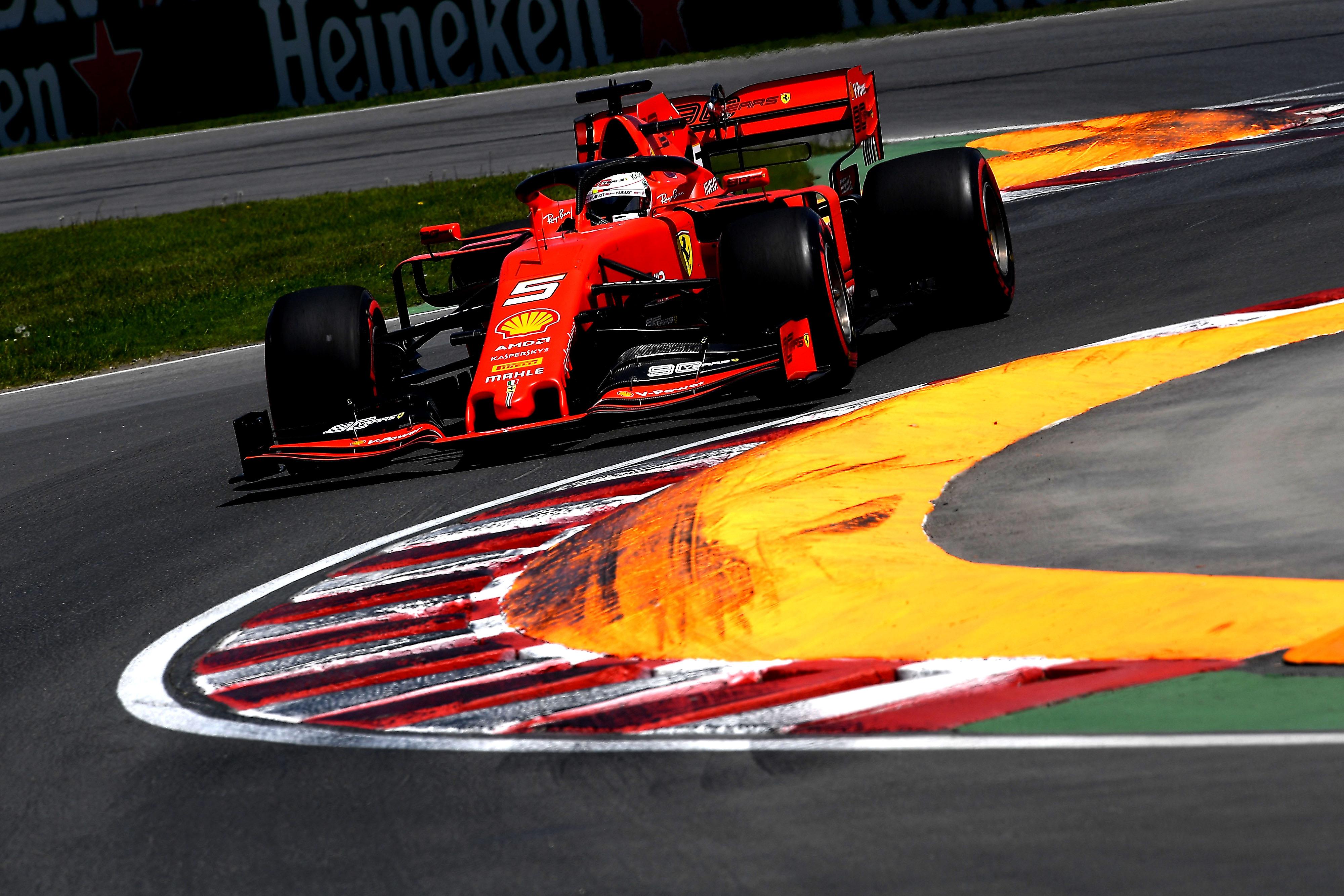 F1: Vettel legyűrte Hamiltont a kanadai pole-ért
