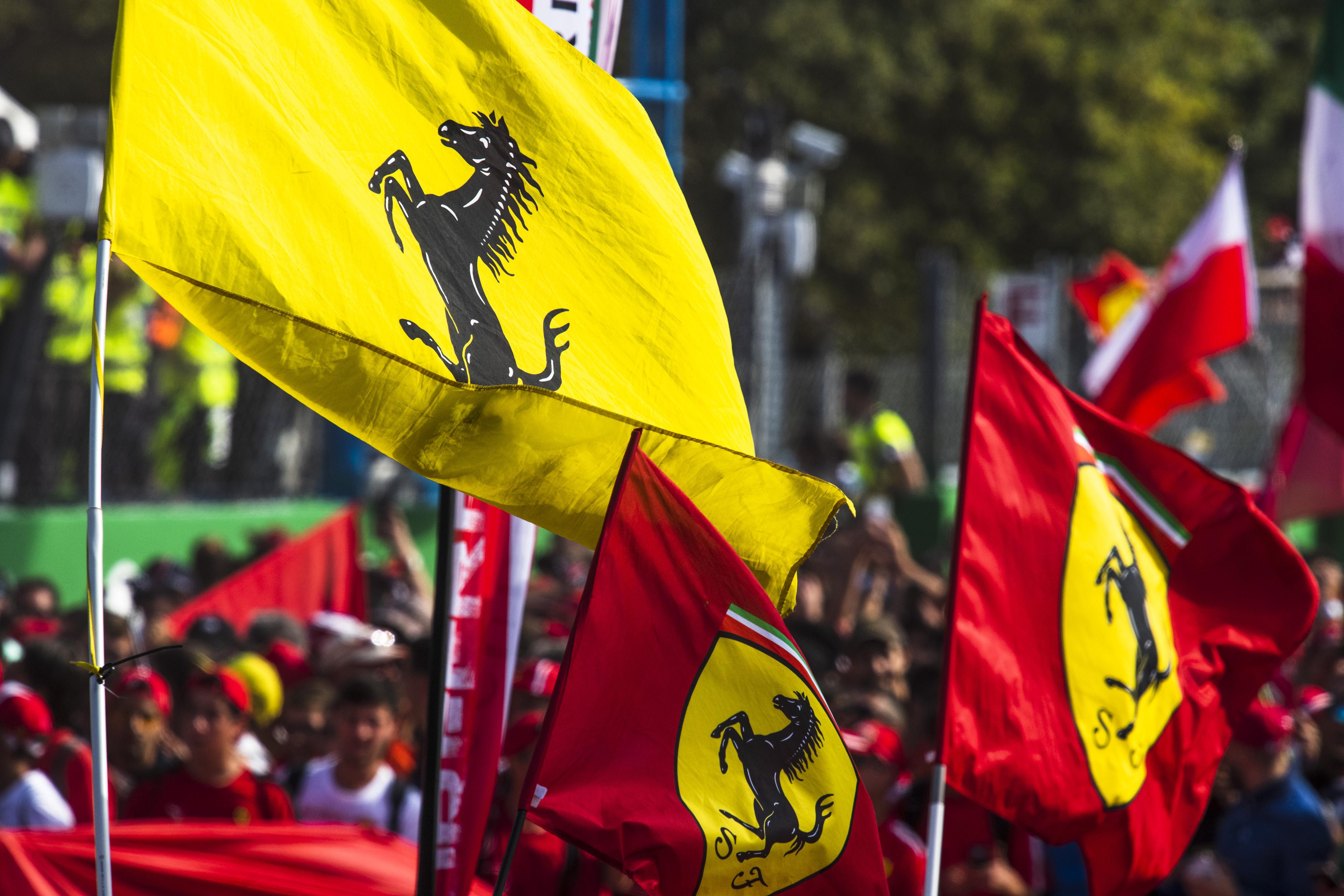 F1: Újabb versenyzőjét jelentette be a Ferrari