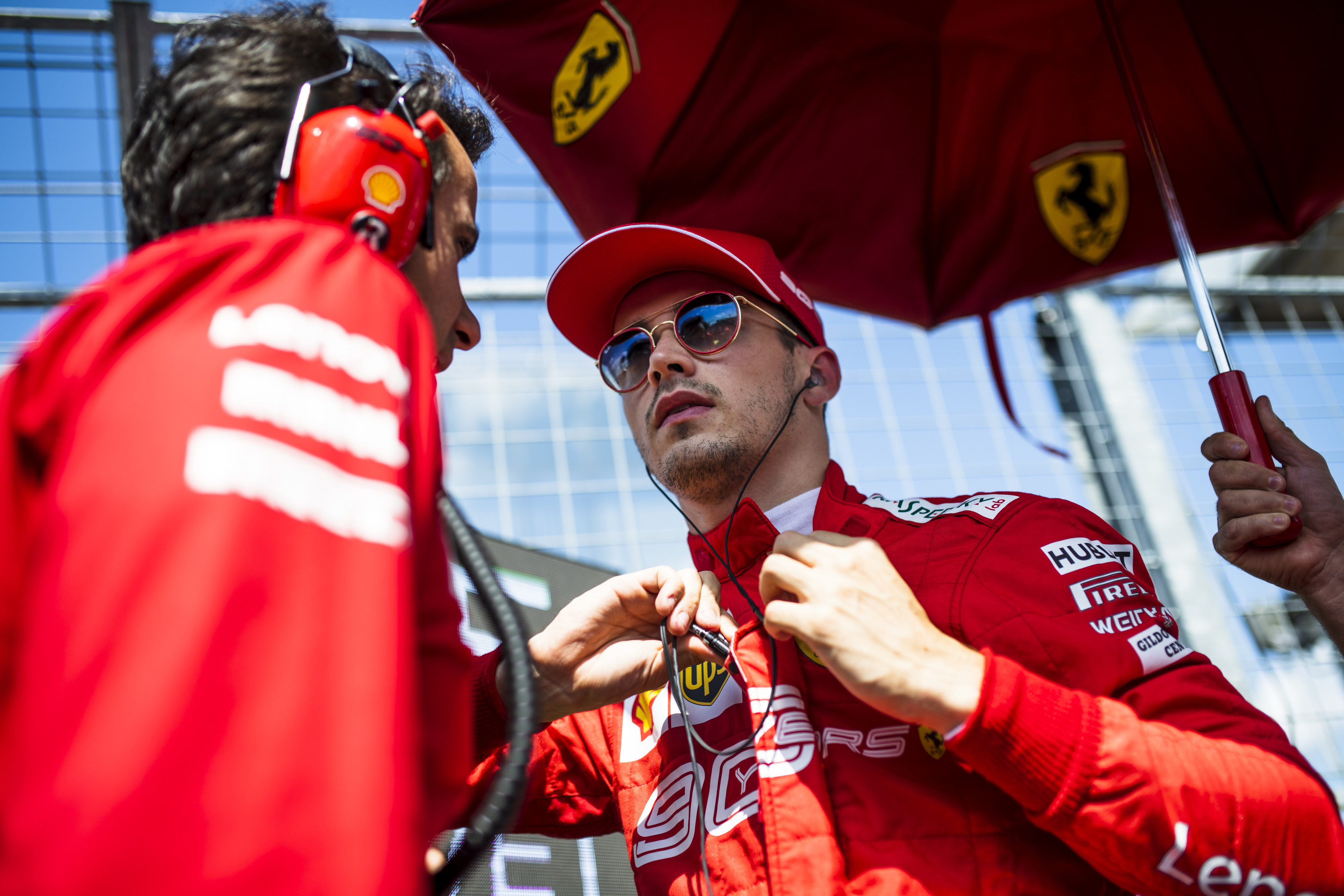 F1: Uralta a spái pénteket a Ferrari, délután Leclerc dominált