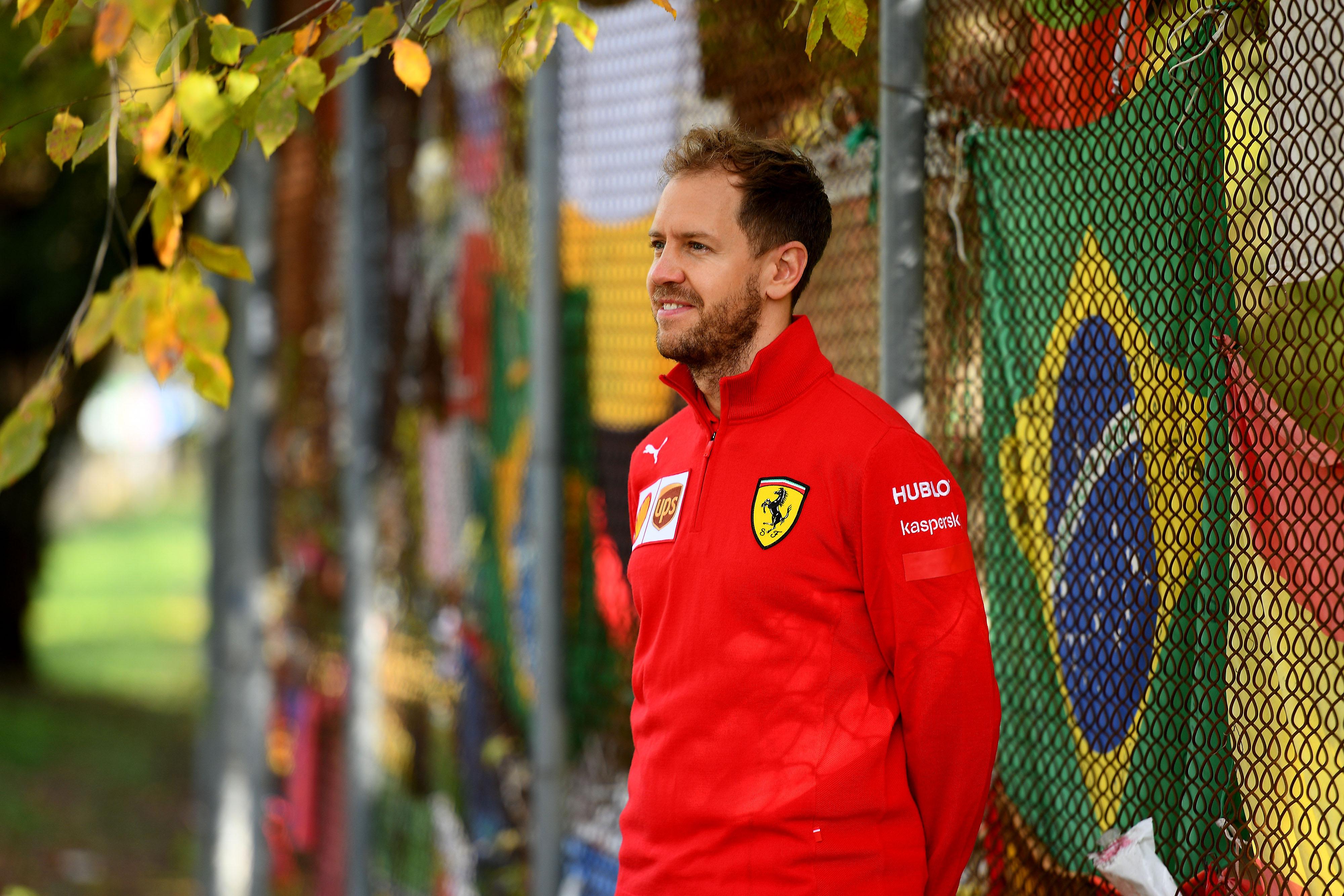 F1: Vettel a garázsából is kisöpri a Ferrarit