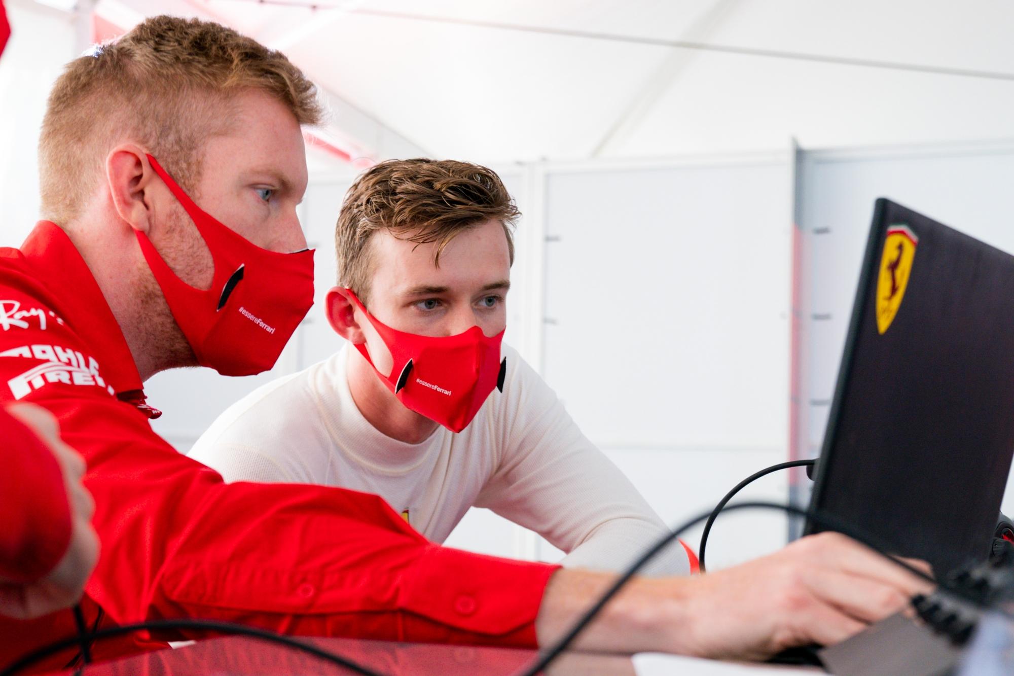 Előlépteti az F2-es címről lecsúszott ifjoncát a Ferrari
