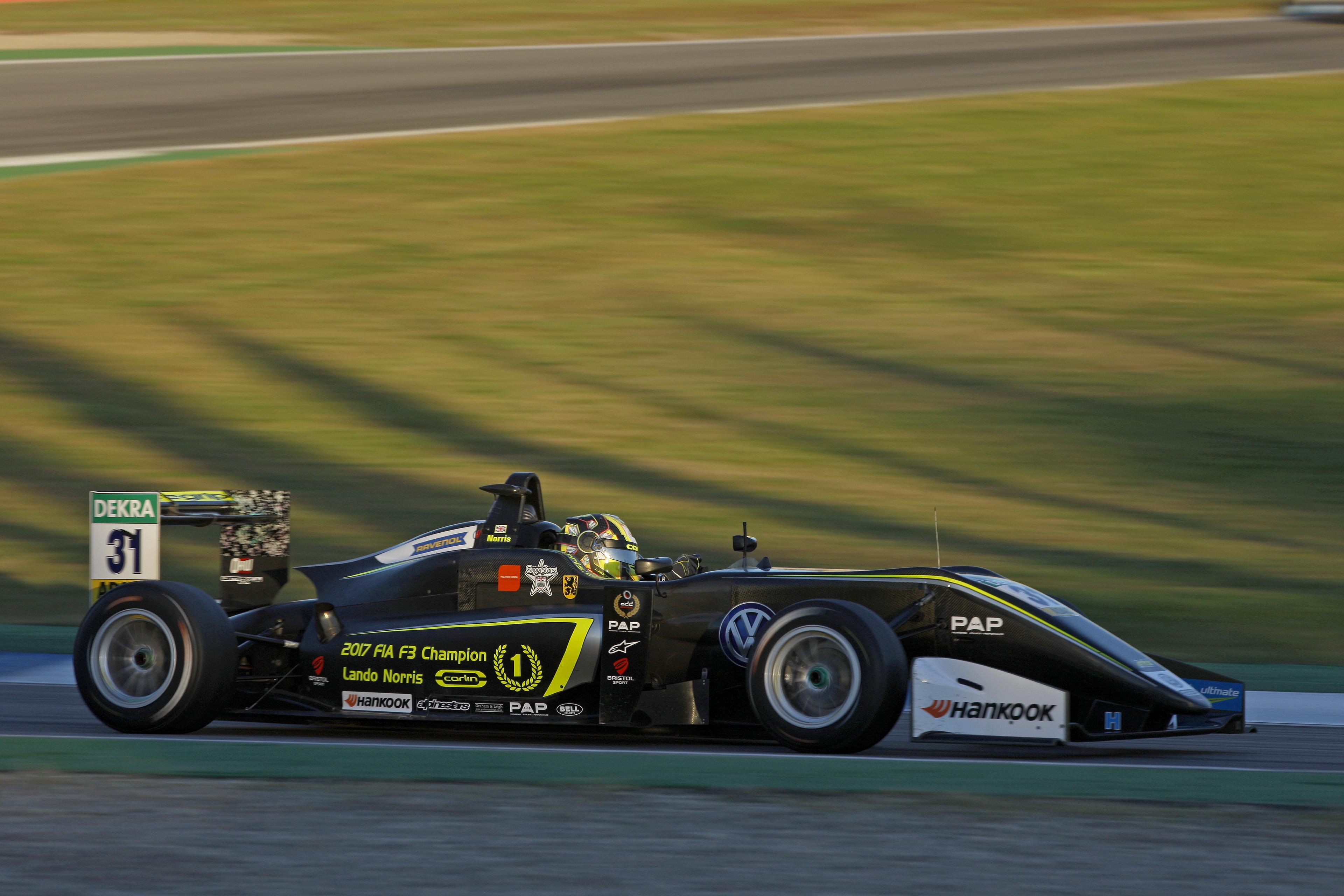 F1: F3-as autót tesztel a héten Lando Norris