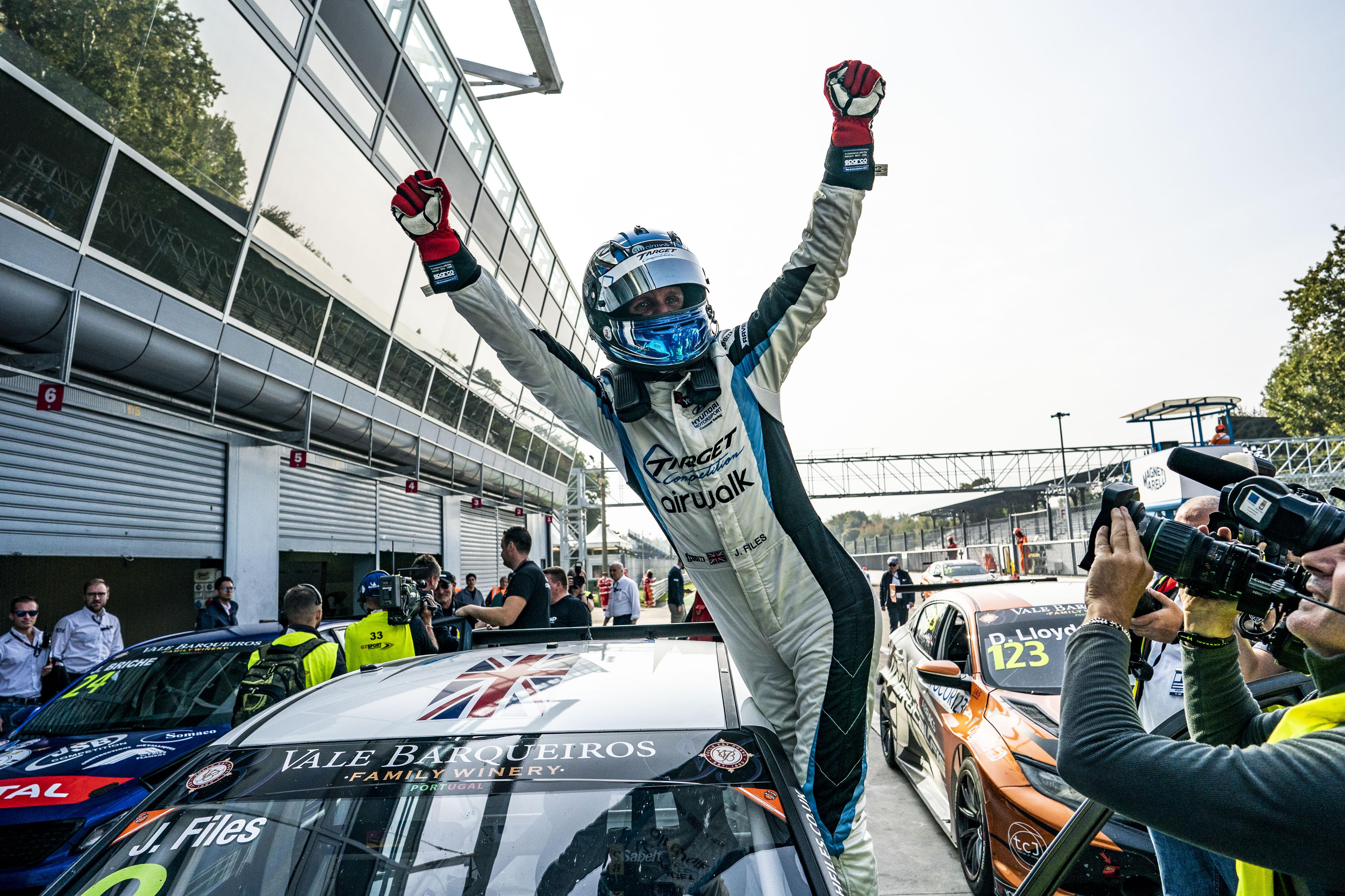 TCR EU: Az utolsó körig nyitott volt a harc, Files a 2019-es bajnok
