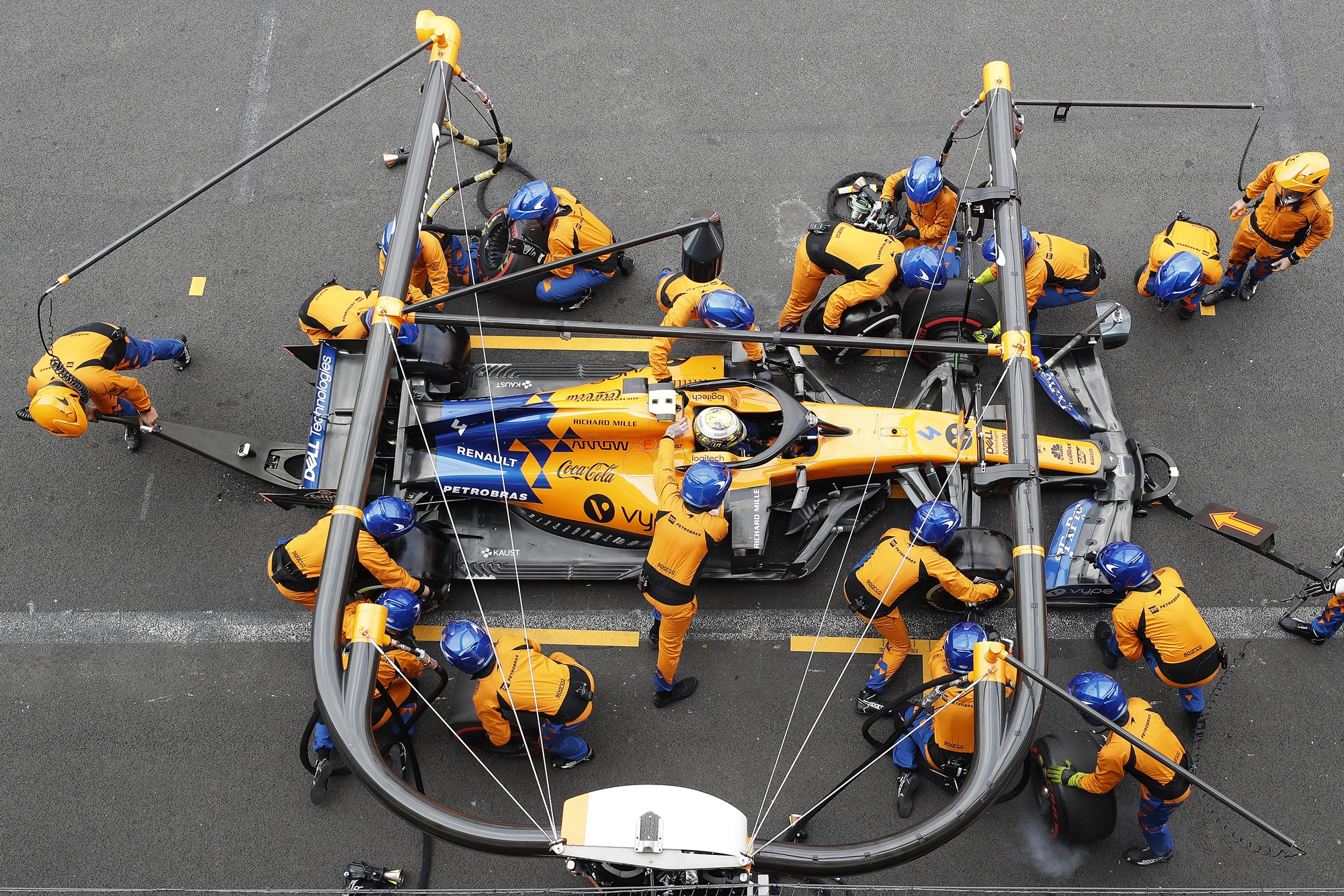 F1: Így úszta meg a McLaren a veszélyes kiengedést