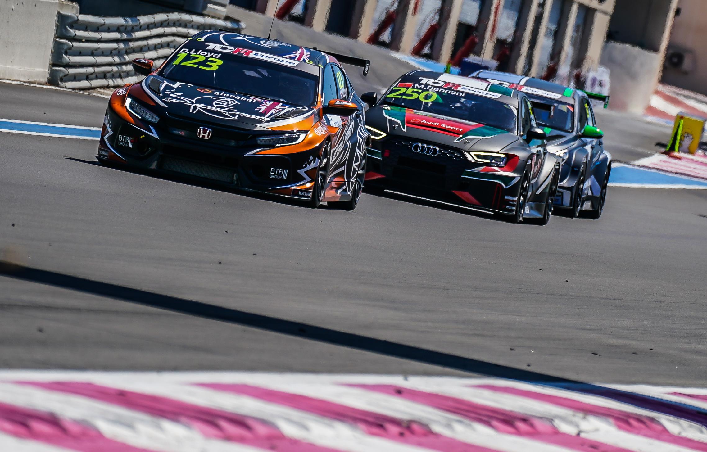 TCR EU: Meglepetések a Paul Ricard-i szezonnyitón, Nagy pontszerzéssel kezdett
