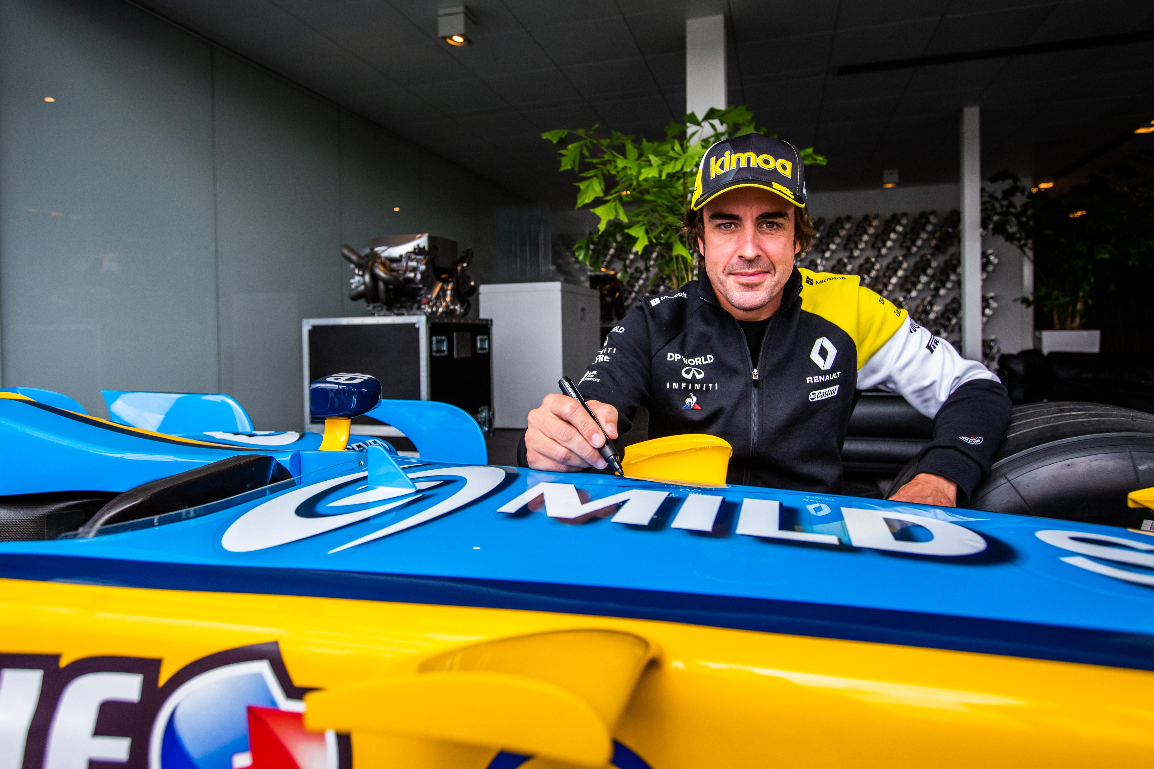 F1: Alonsót elgázolták, kórházba szállították