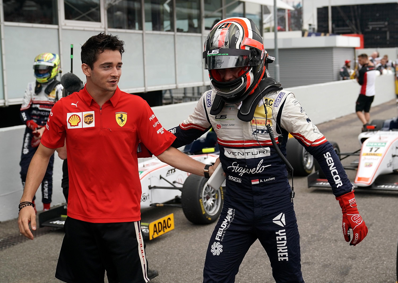 Újabb Leclerc-t igazolt a Ferrari