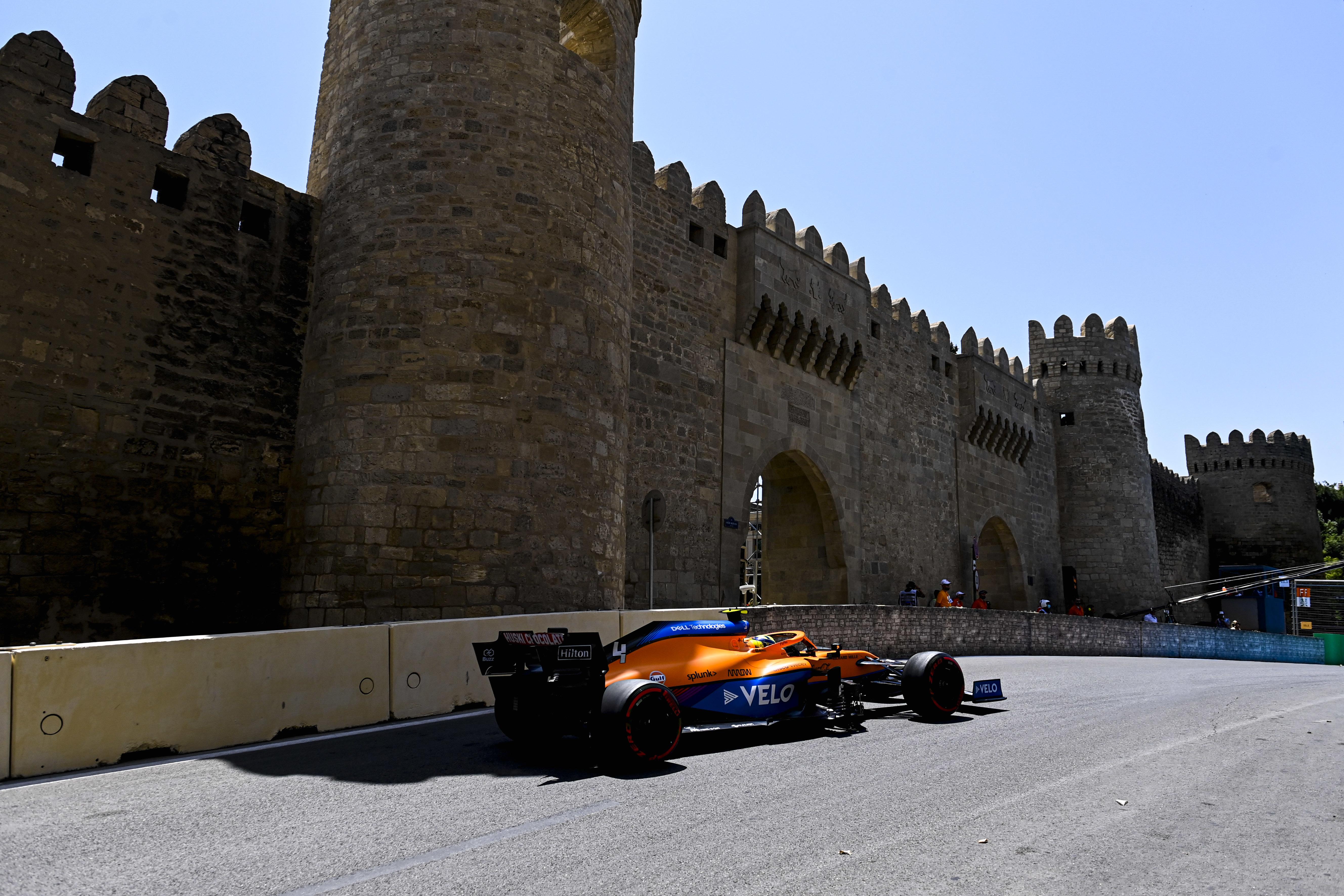 F1: Hátrébb sorolták Norrist, változik a rajtsorrend