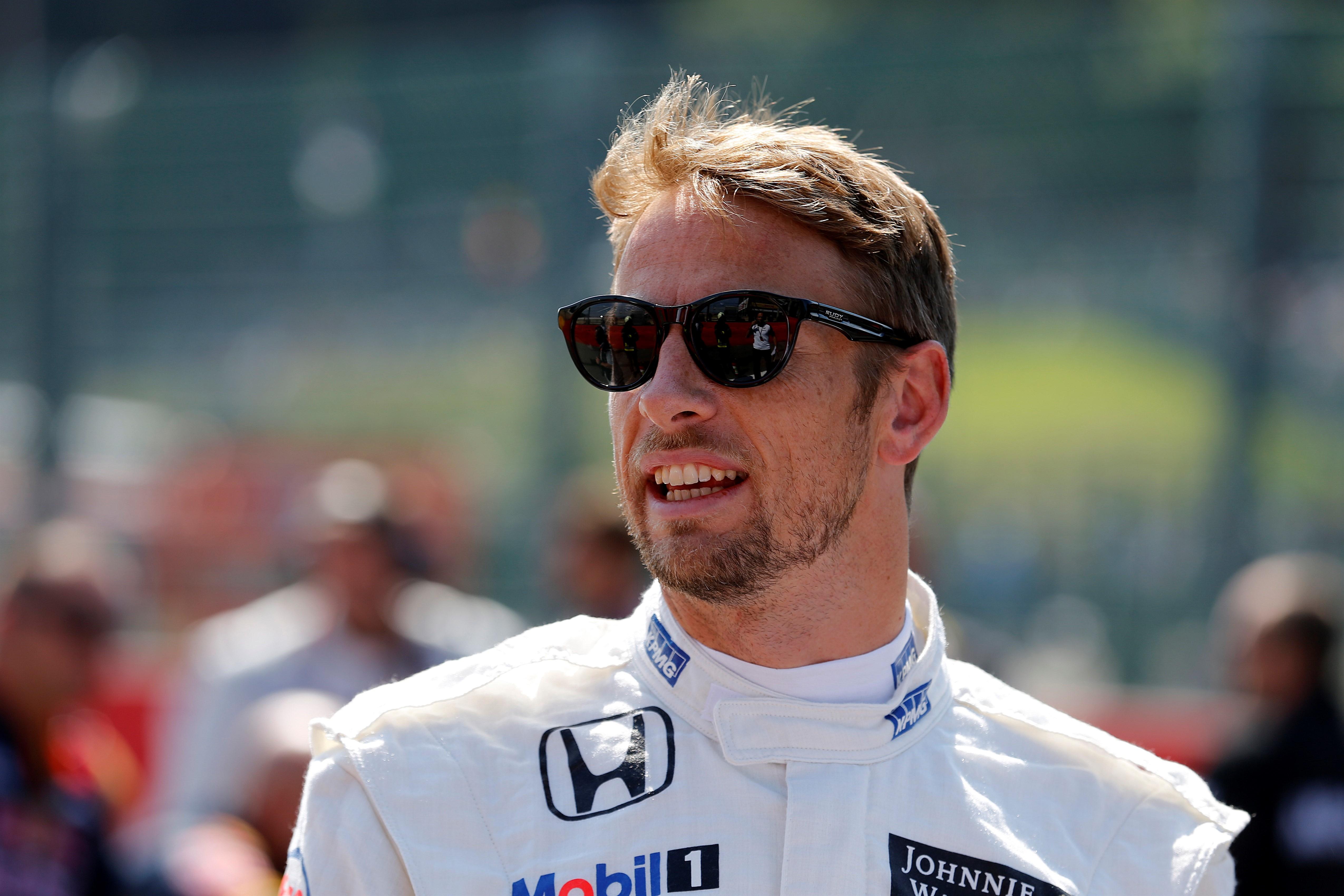 Sokaknak lesújtó hírt közölt az autósport jövőjéről az F1 világbajnoka
