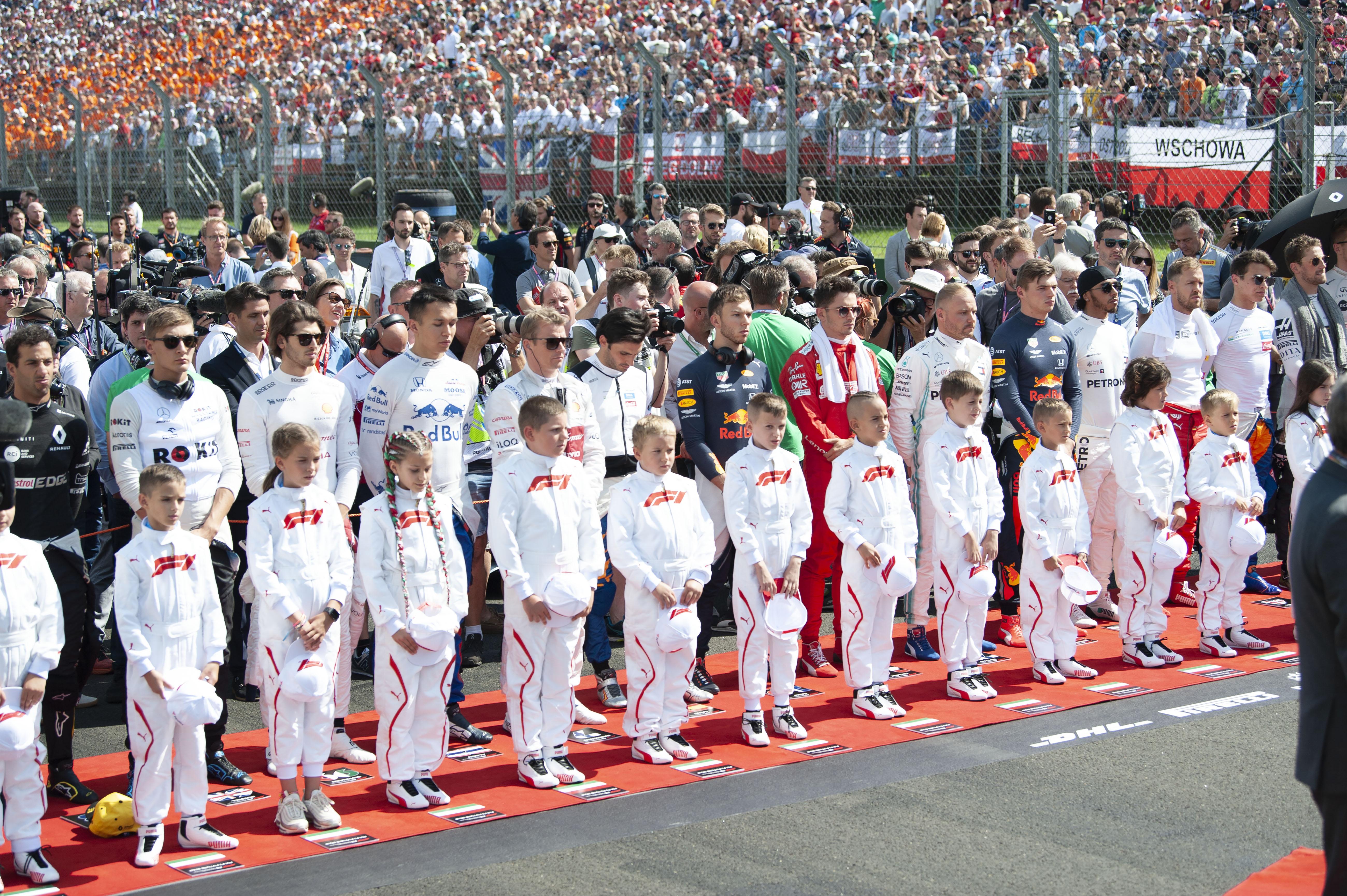 Egyedülálló lehetőséget kapnak a legfiatalabb magyar F1-rajongók