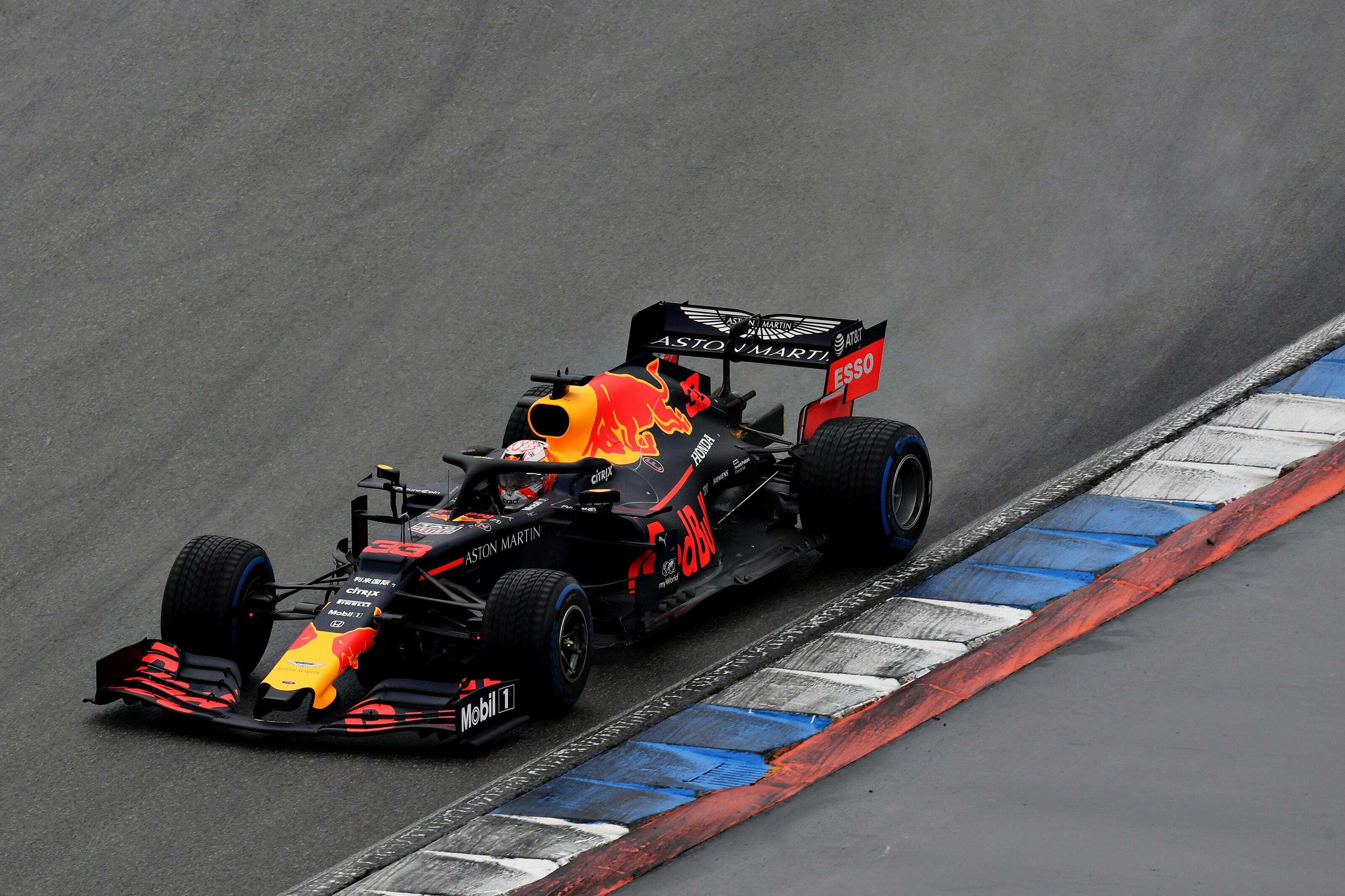 F1: Világcsúcs világcsúcs hátán – egyszerűen parádés, amit a Red Bull művel a boxban!