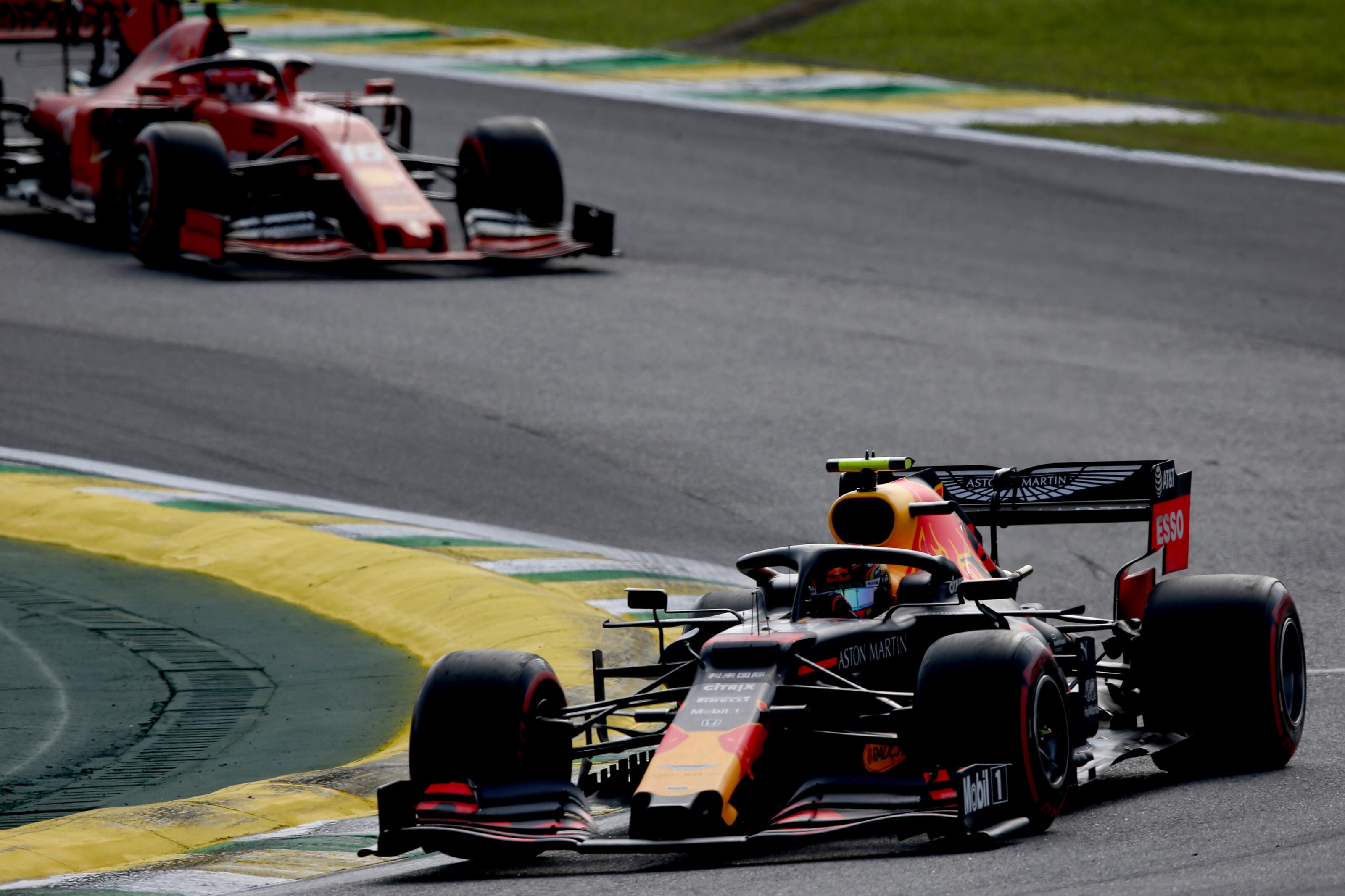F1: Az év csatájában győzte le Albon Leclerc-t
