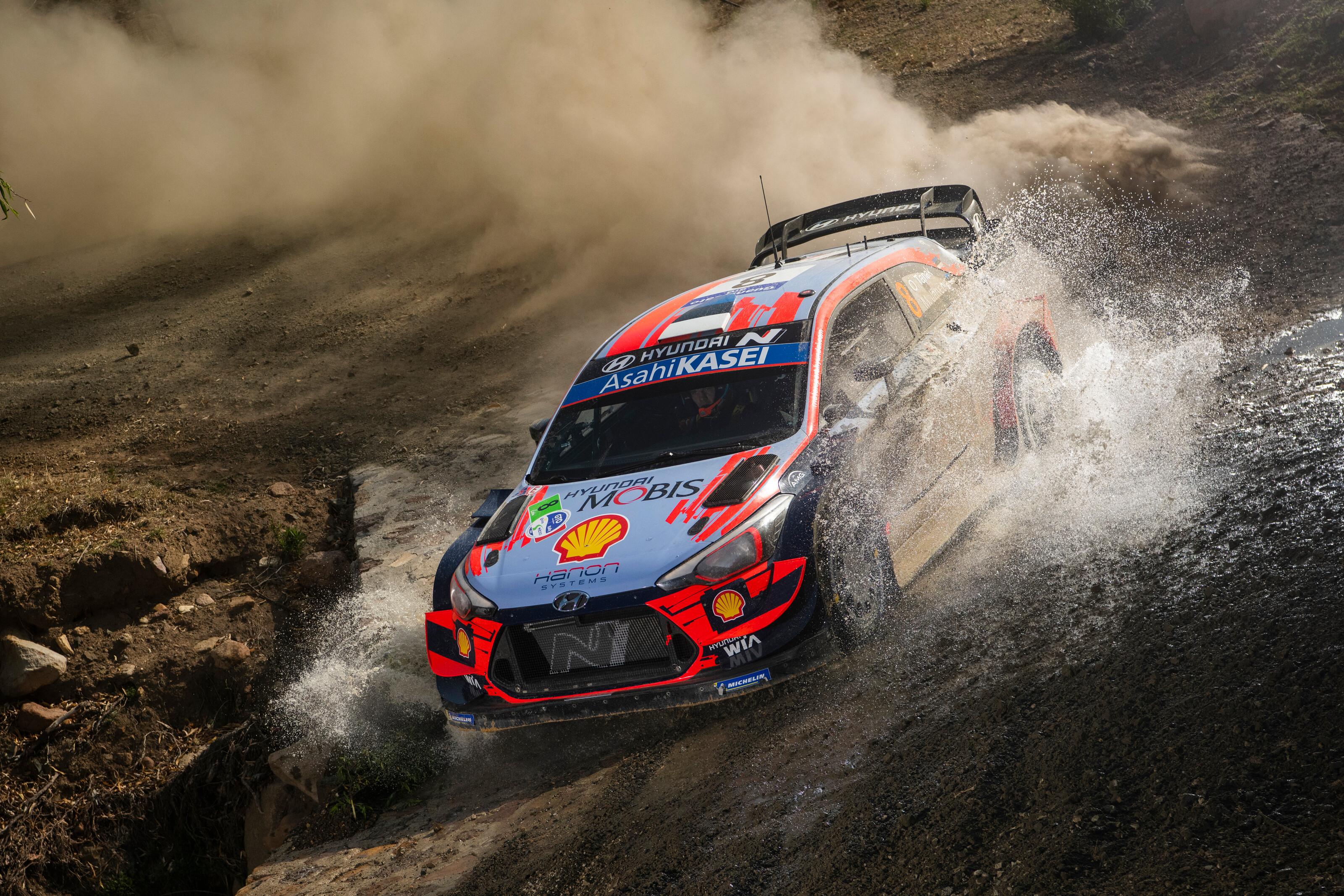 Eldőlt, szeptemberben folytatódik a WRC