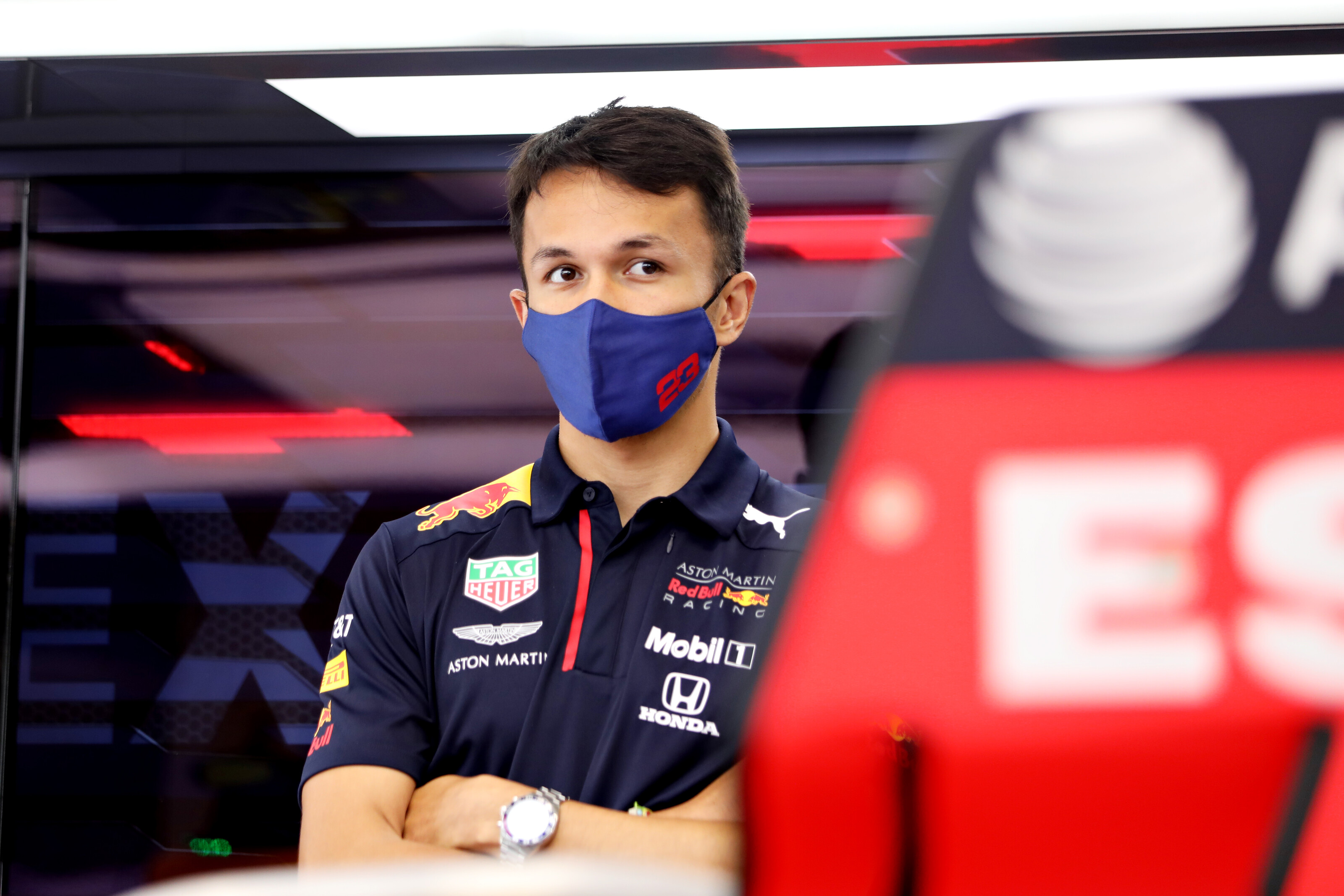 F1: Így húzná ki a csávából Albont a Red Bull