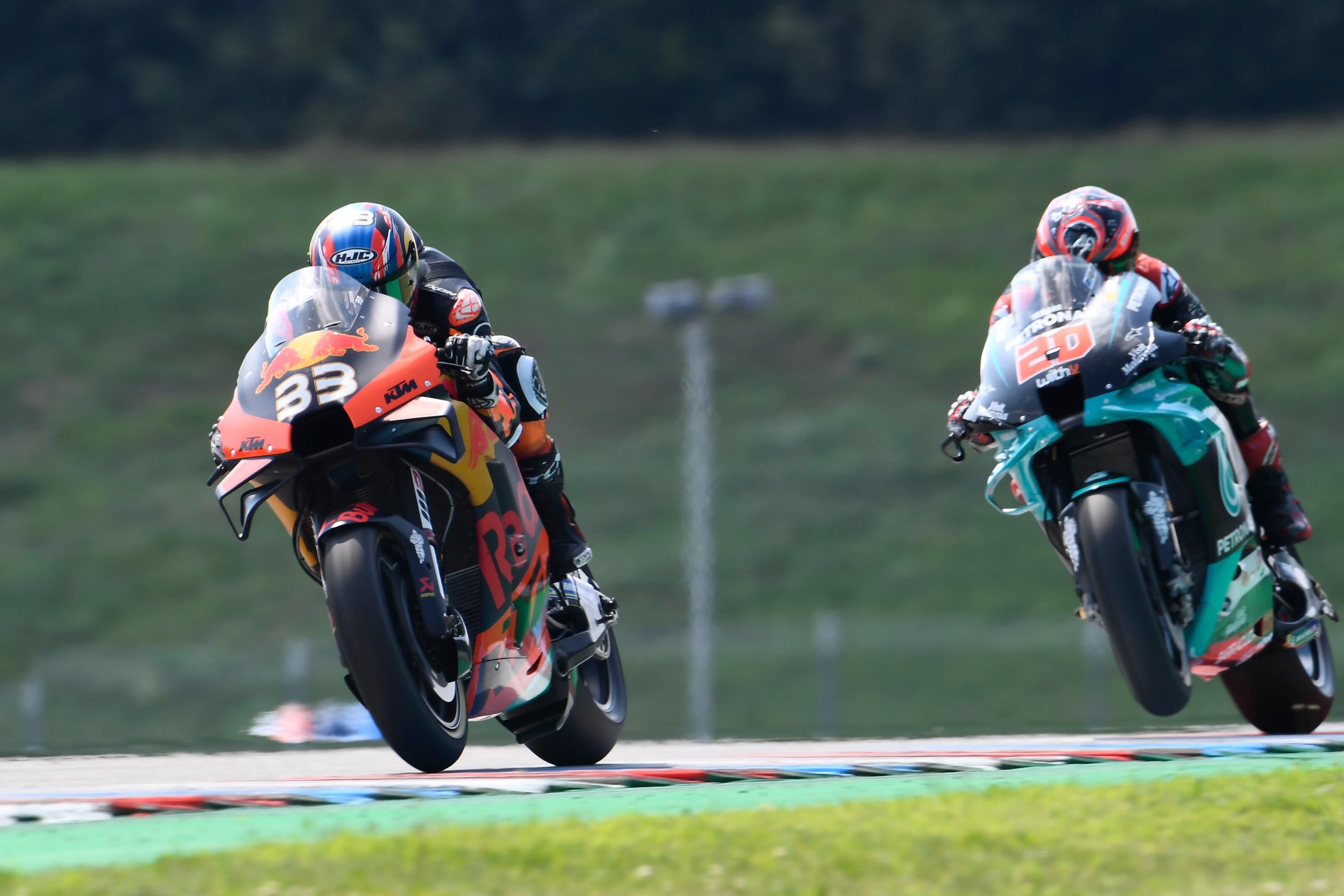 Történelmi siker: újonc pilóta szerezte a KTM első MotoGP-győzelmét!