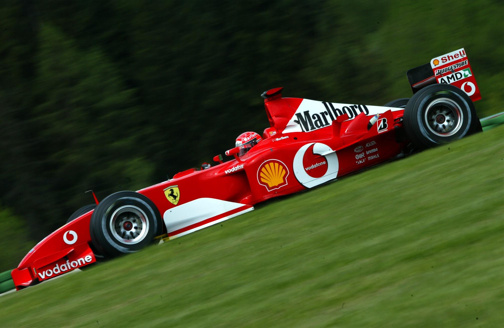 F1: Kalapács alá került Schumacher egyik világbajnoki Ferrarija