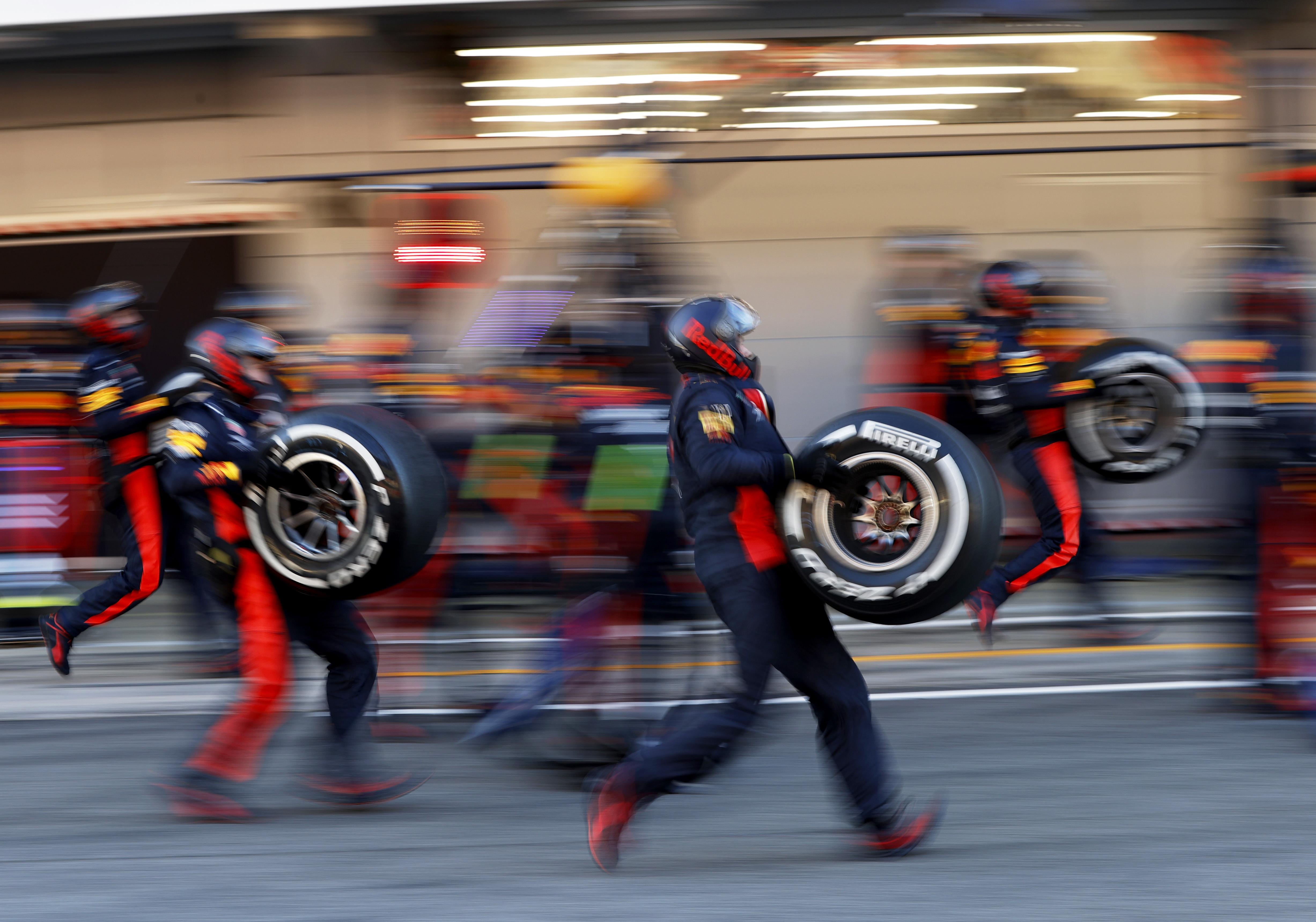 F1: Ezeket a gumikat küldi a Pirelli az európai fordulókra