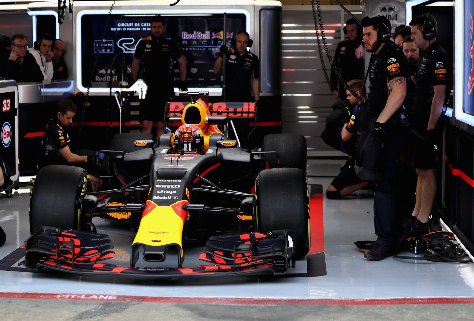 F1 - AZ FIA FIGYELMEZTETTE A FELFÜGGESZTÉSSEL TRÜKKÖZŐKET