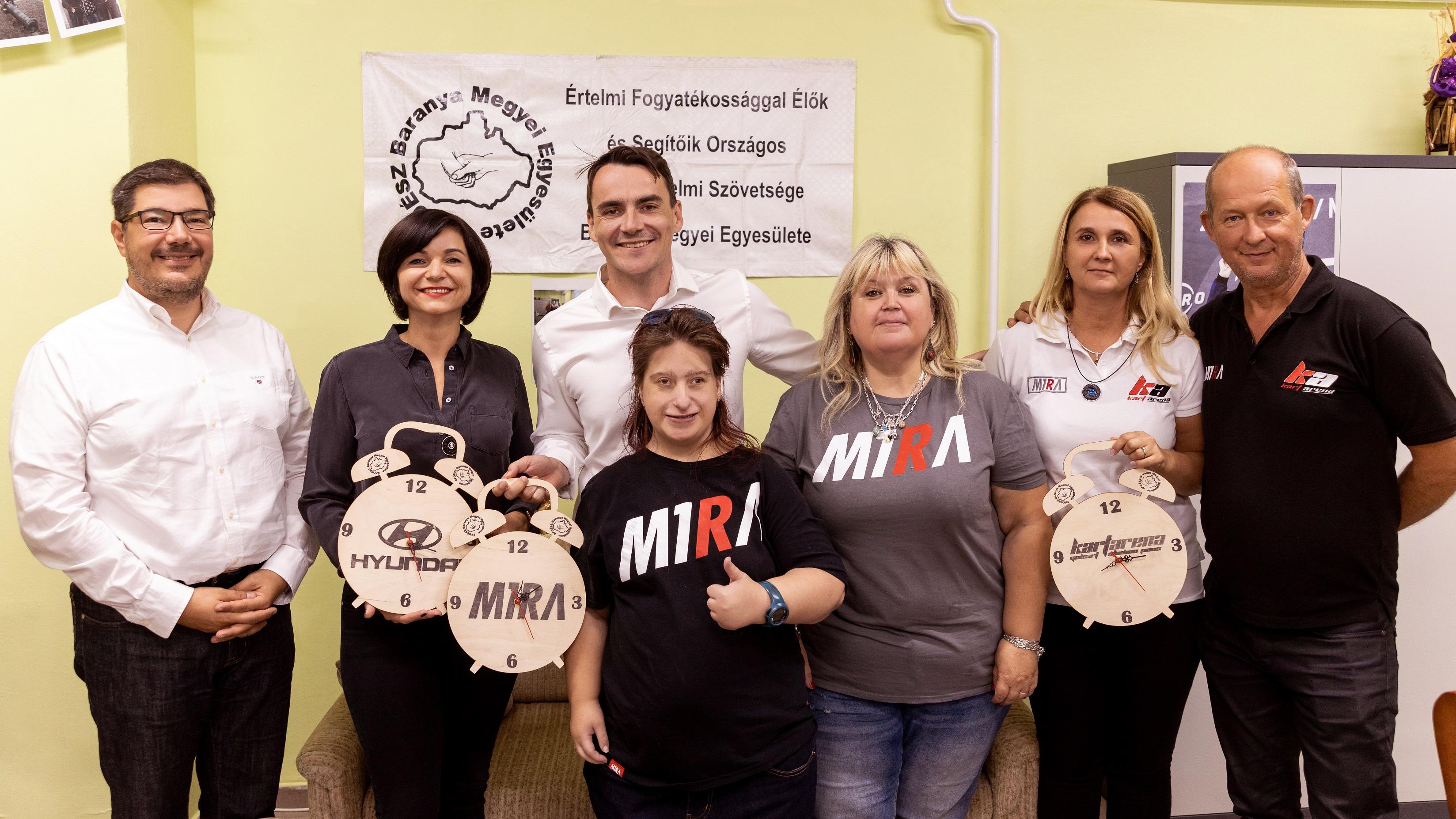 Értelmi fogyatékosokat támogatnak Michelisz Norberték