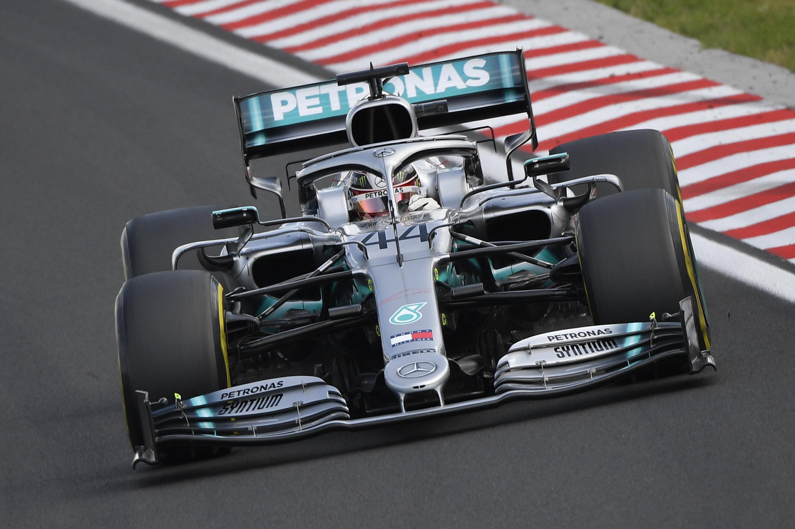 F1: Gumielőnnyel szerezte hetedik hungaroringi sikerét Hamilton