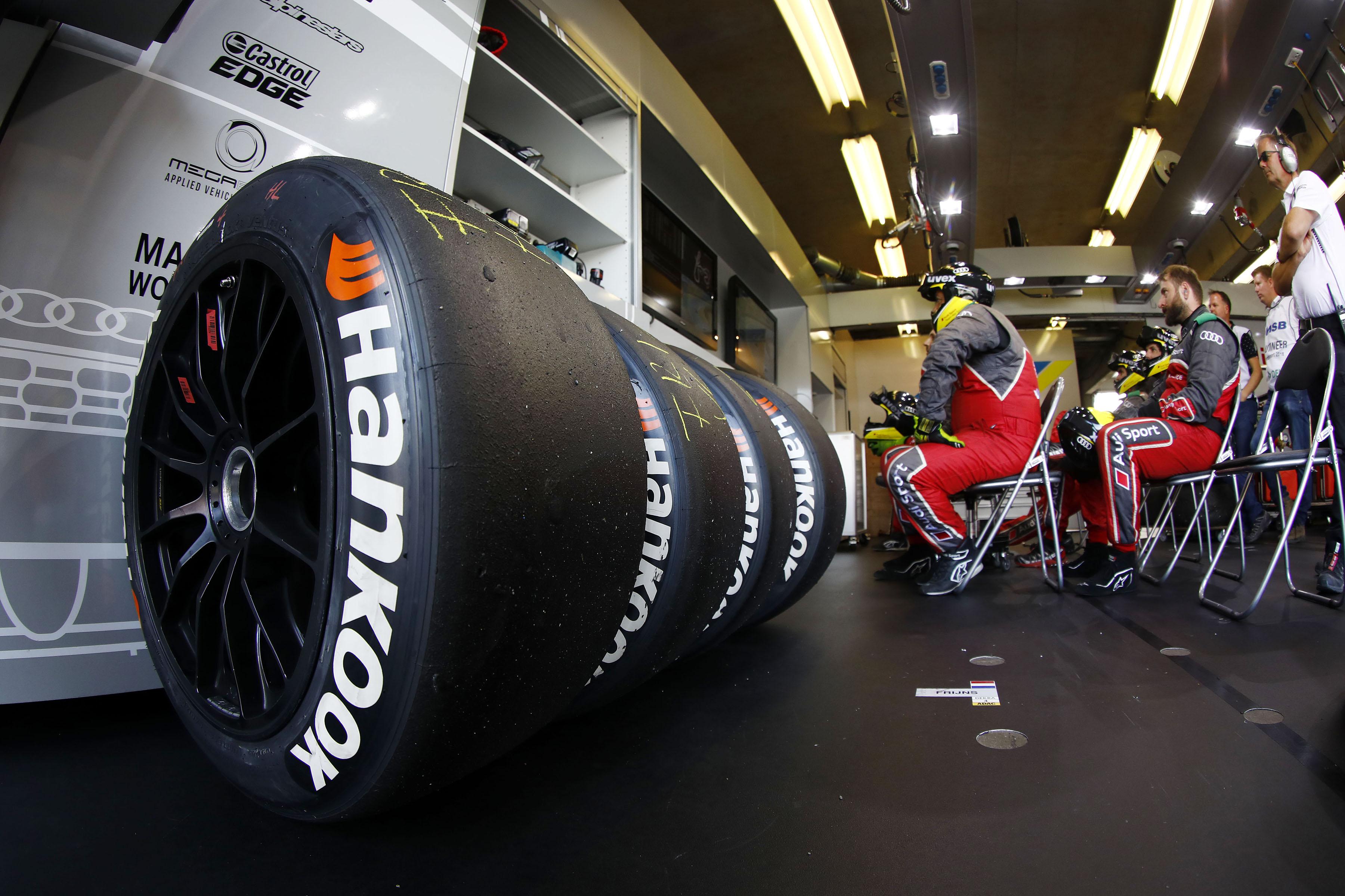 F1 - RIVÁLISA AKADT A PIRELLINEK, ÉS NEM A MICHELIN…